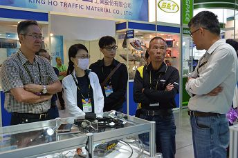 參加2018台灣台北國際汽車零配件展(AMPA)